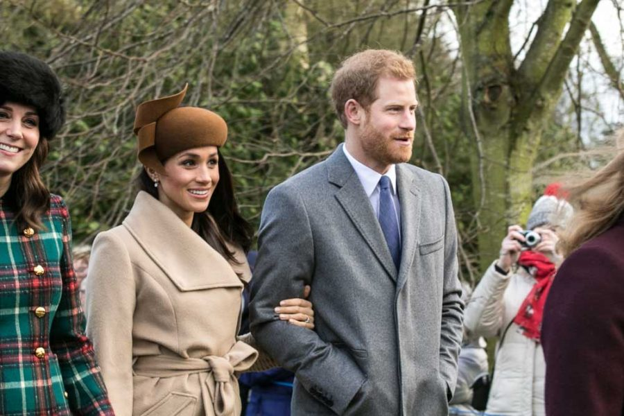 Prince+Harry+and+Meghan+Markle+with+other+members+of+the+Royal+family+going+to+church+at+Sandringham+on+Christmas+Day+2017.