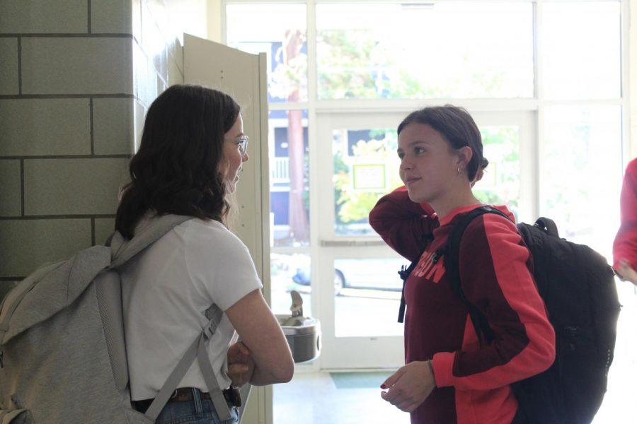 Juniors chatting before classes begin!