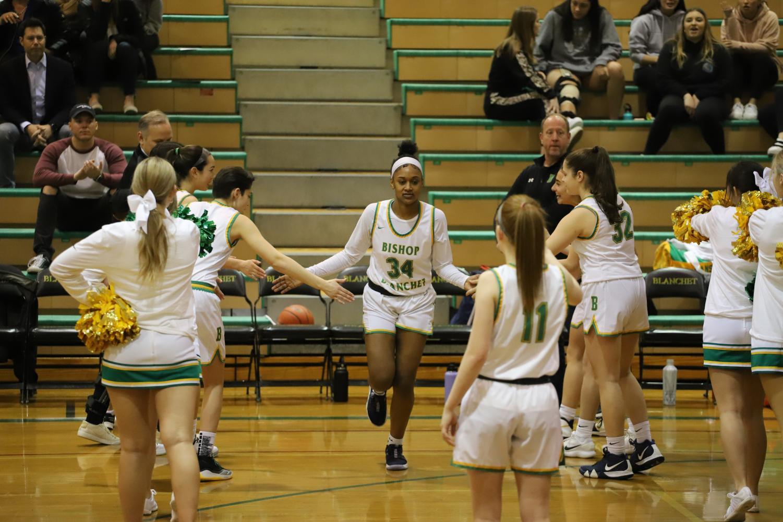 Varsity Girls Basketball Compete Hard Through Playoffs
